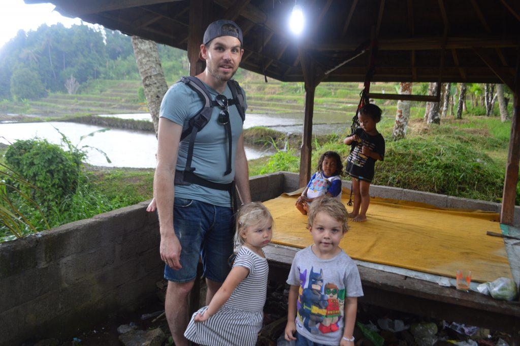 weg van toerisme op Bali